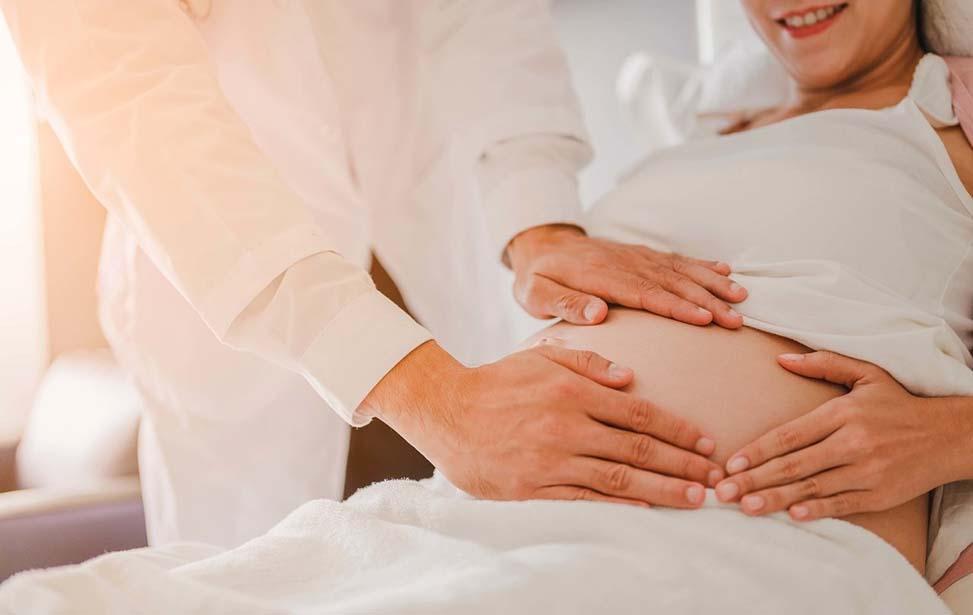 Lao động nữ sinh con được hưởng bảo hiểm thai sản khi đáp ứng điều kiện về BHXH
